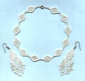 White choker set